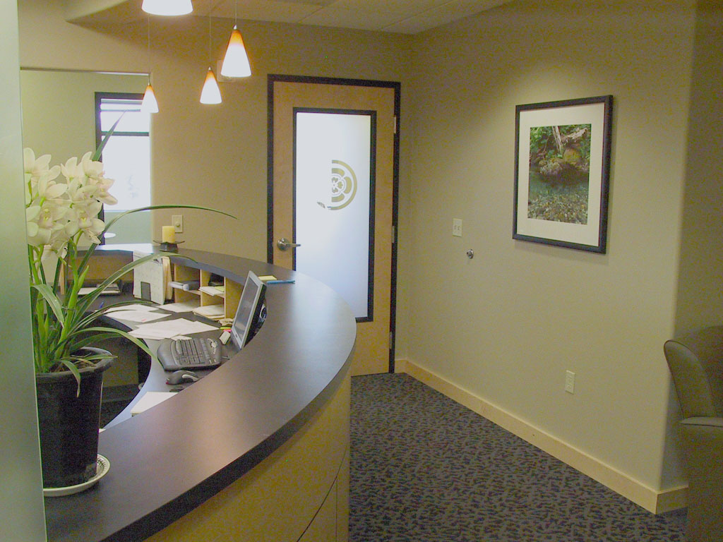 Entry and reception area at Oregon Periodontics, P.C.